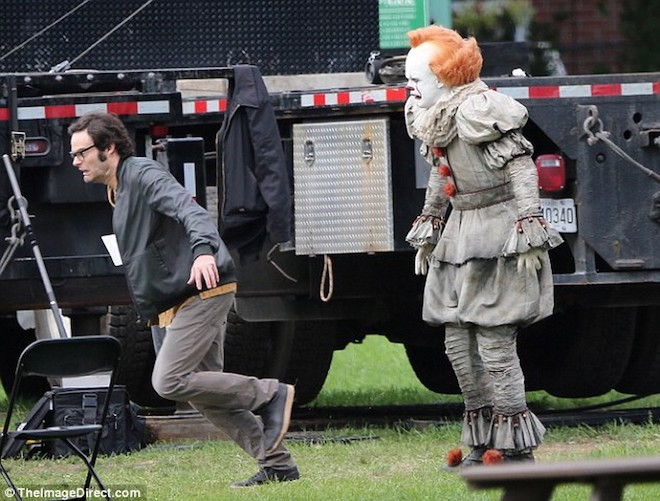 File:Bill Hader Running From Pennywise.jpg